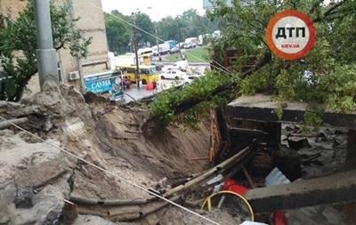В Киеве восстановлено движение в районе поврежденного моста